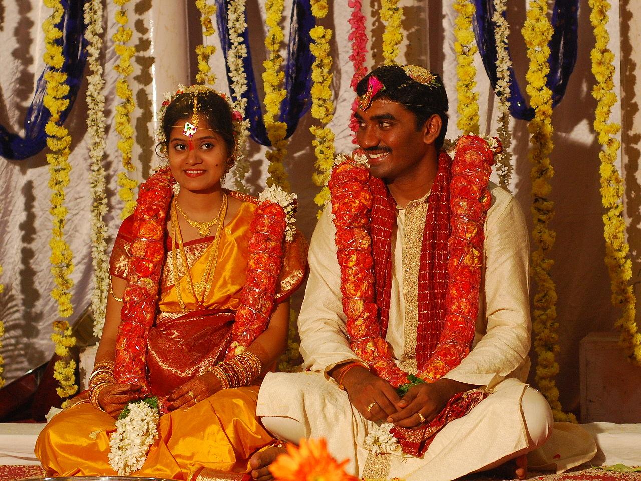 Un giro intorno al mondo con 5 abiti da sposa tradizionali